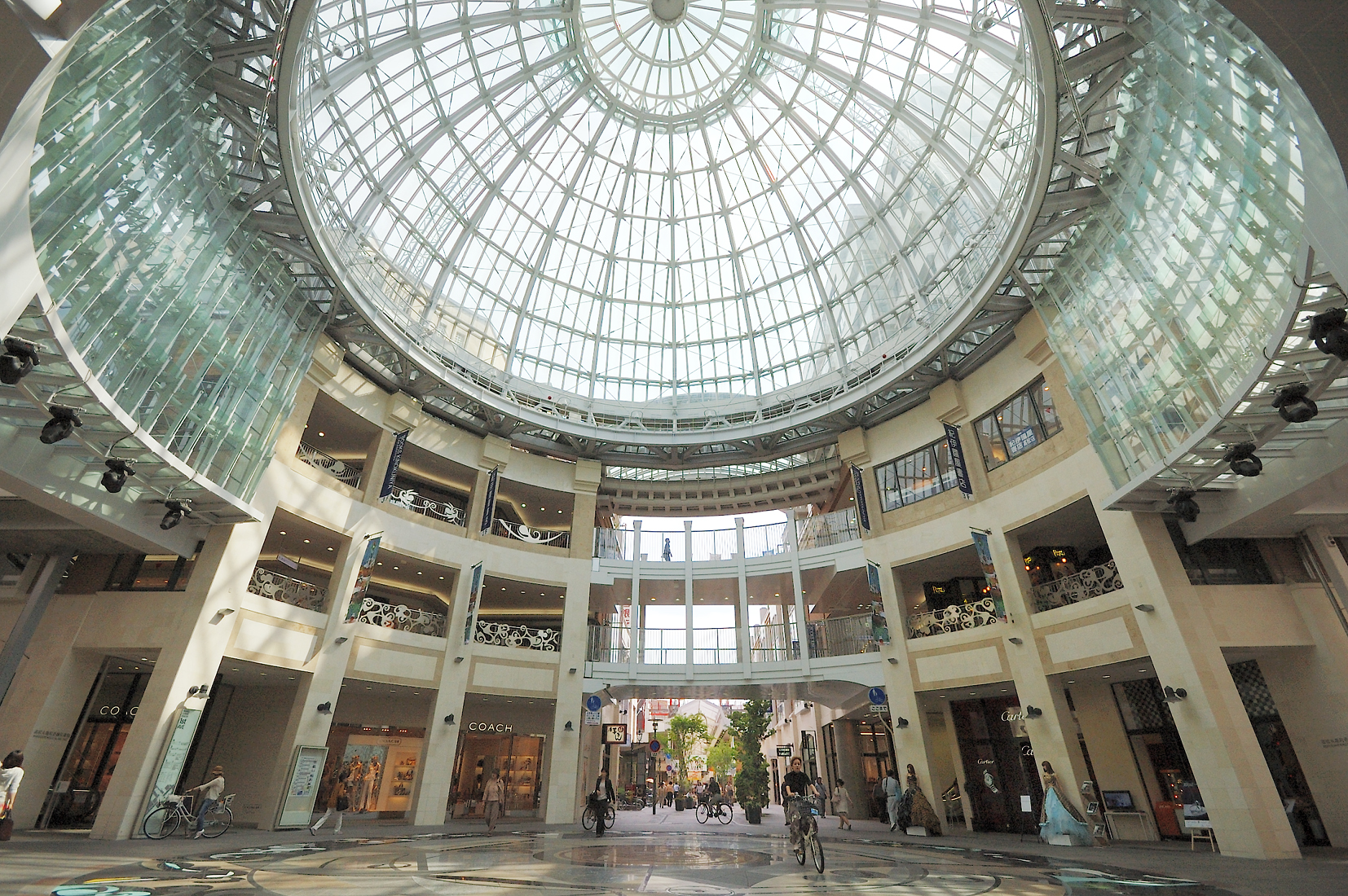 高松丸亀町商店街の円形ドーム