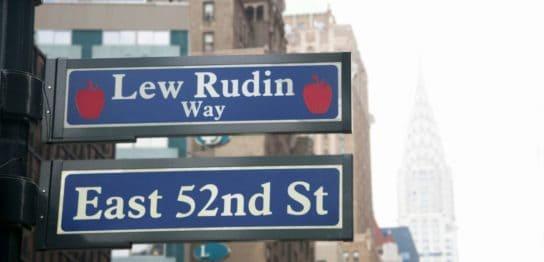 ニューヨーク52番街の標識