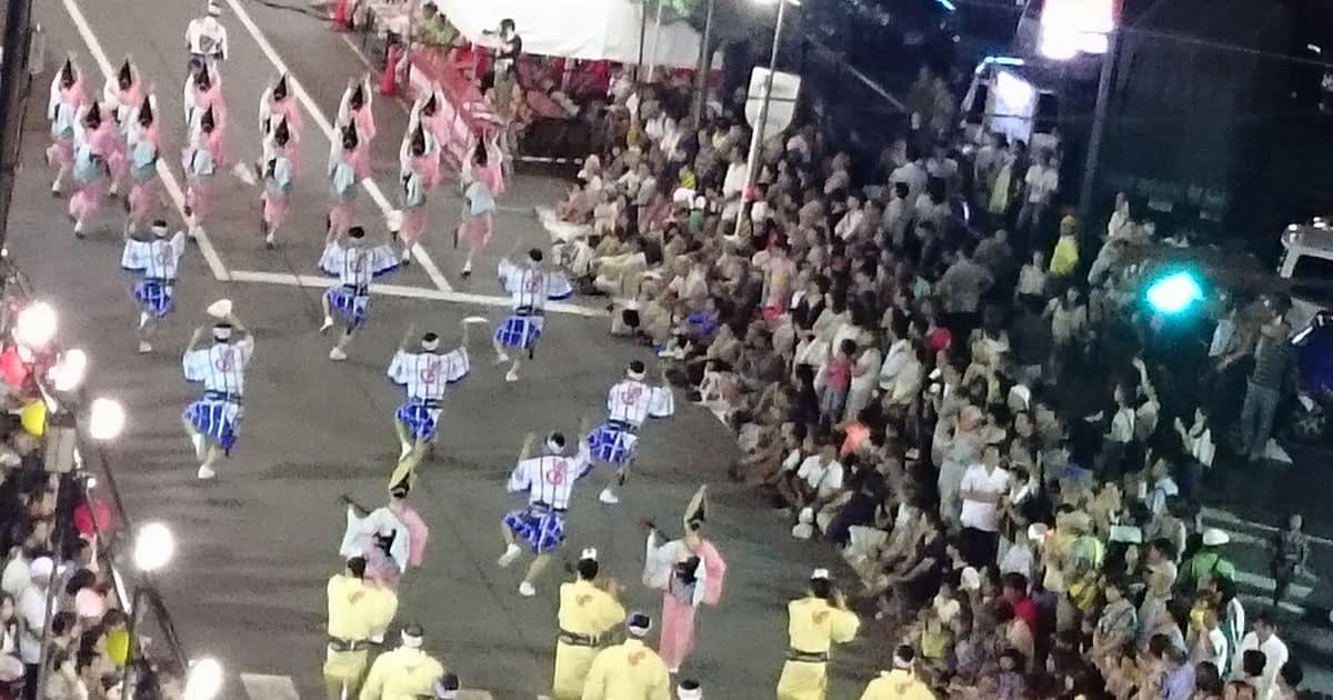 阿波踊り中の道路