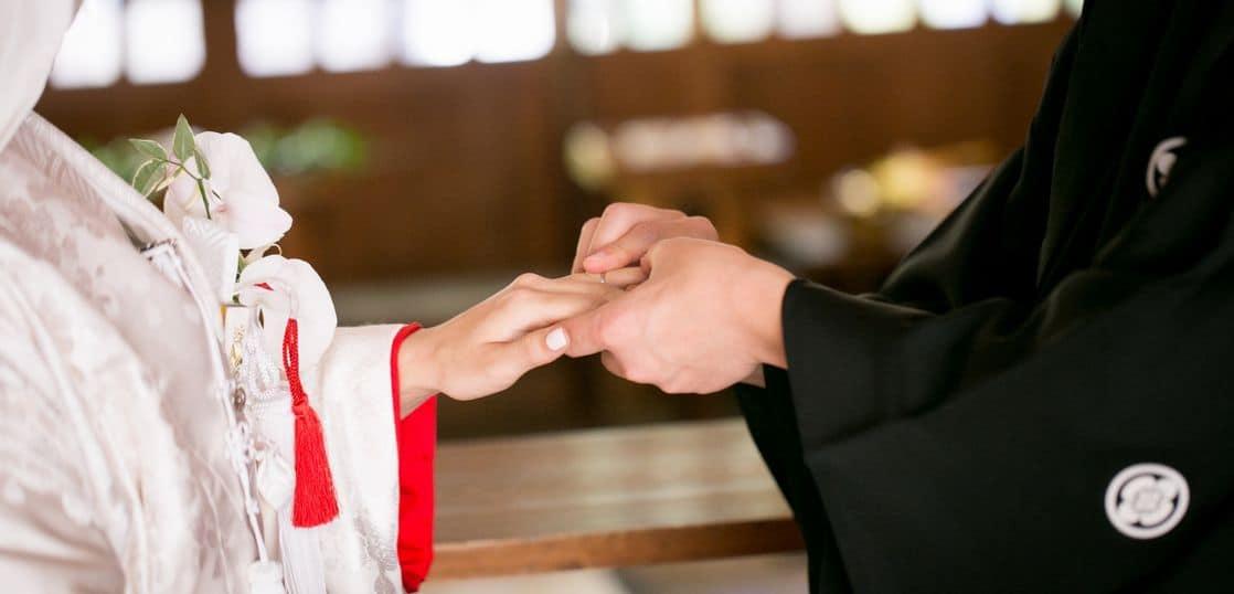 神前式結婚式の指輪交換