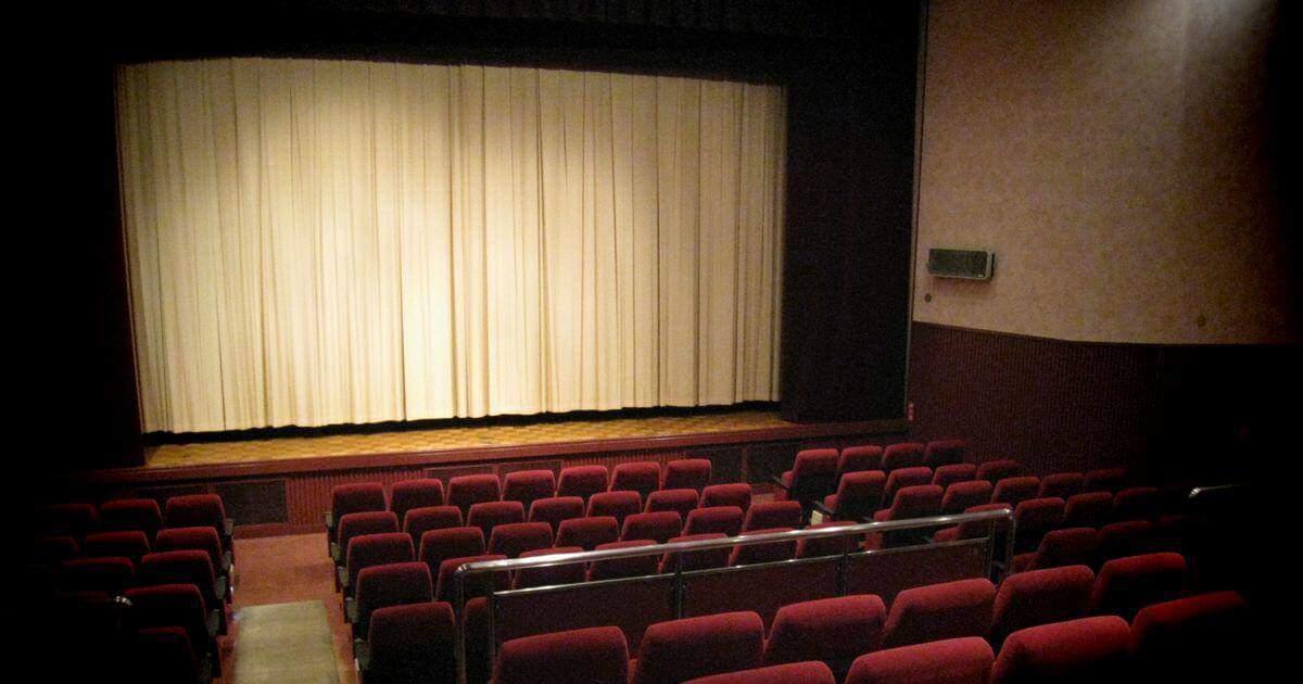 小さな映画館の館内