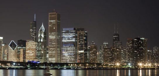 夜のシカゴ・ダウンタウン