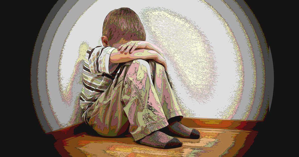悲しむ子供を励ます