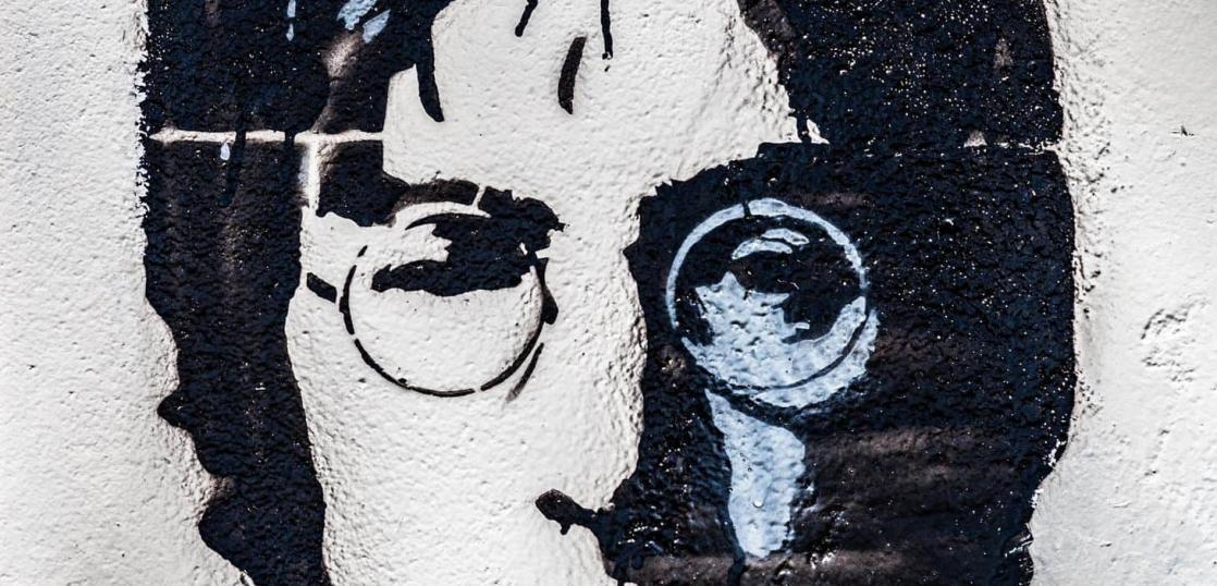 ジョン・レノンの壁画プラハ