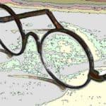 丸いレンズのクラシカルなメガネ