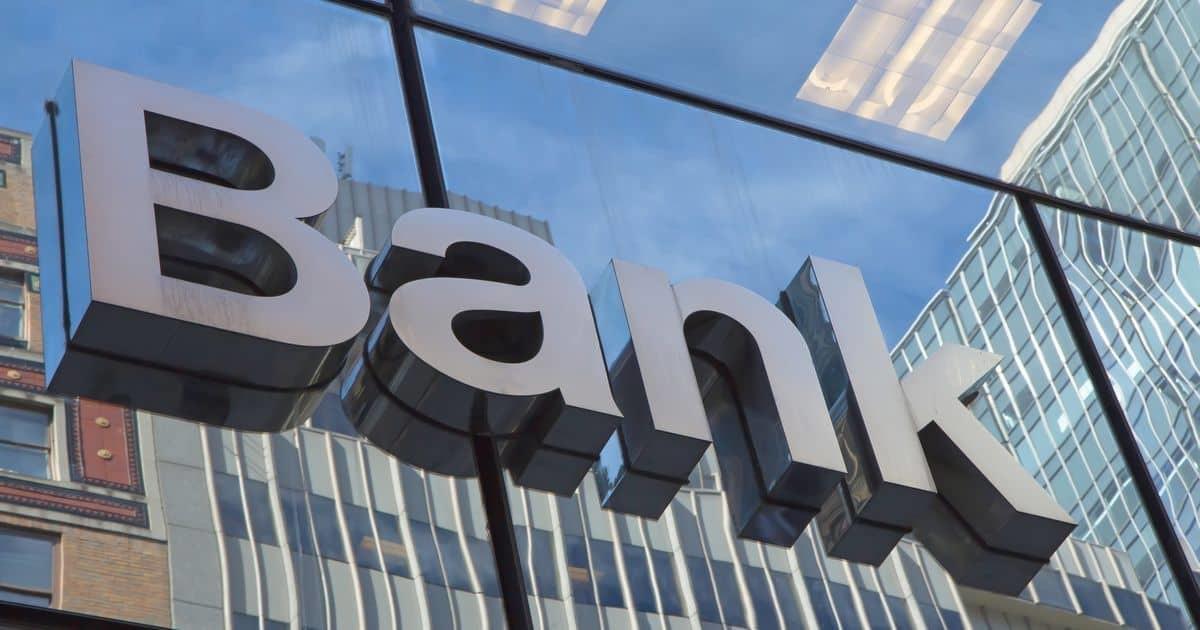 「Bank」の看板