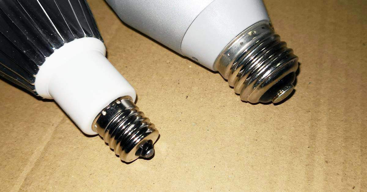 電球バルブの口金の比較