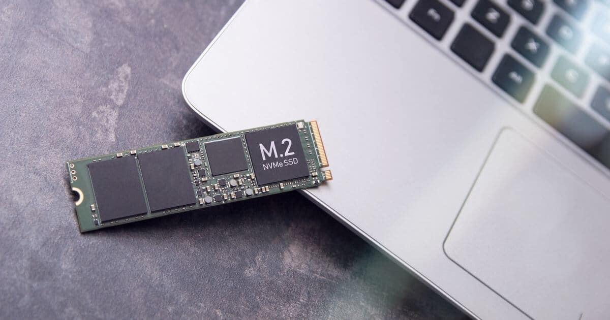 SSD M.2とノートPC