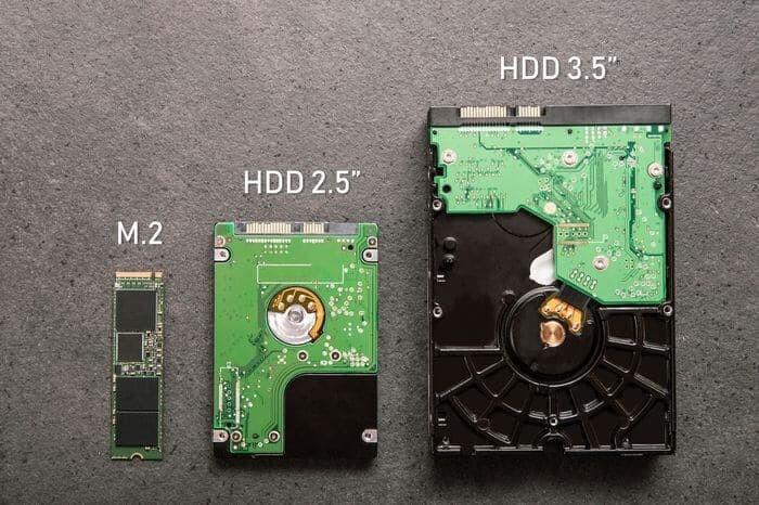 ハードディスクとSSD2.5インチのサイズ比較