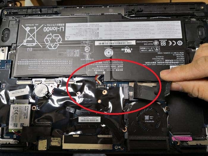 ThinkPad X1 Yogaのバッテリーコネクター